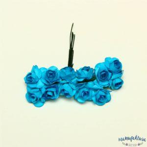 Papierowe różyczki – niebieskie (2 cm) 12 szt.